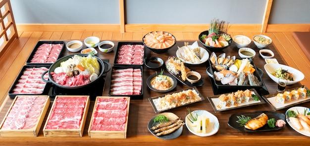 Japanisches sukiyaki und essen