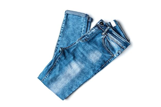 Jeans lokalisiert auf weißem hintergrund.