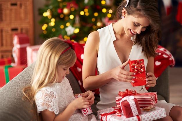 Jeder findet seine eigenen geschenke
