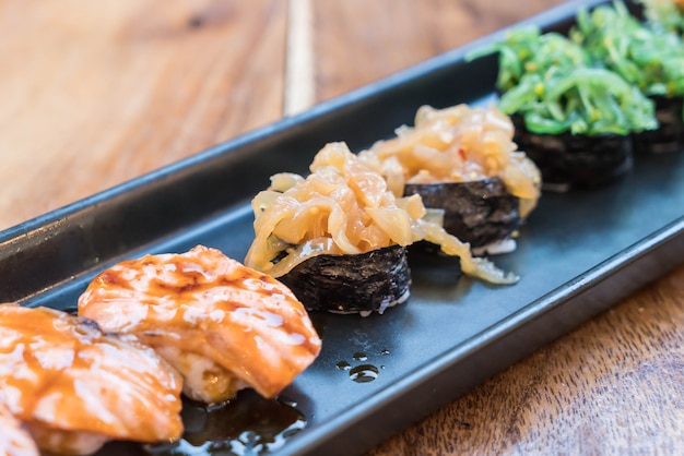 Jellyfish sushi - japanisches essen