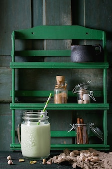 Joghurt mit pistazien