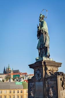 Johannes von nepomuk (oder john nepomucene) nationaler heiliger der tschechen