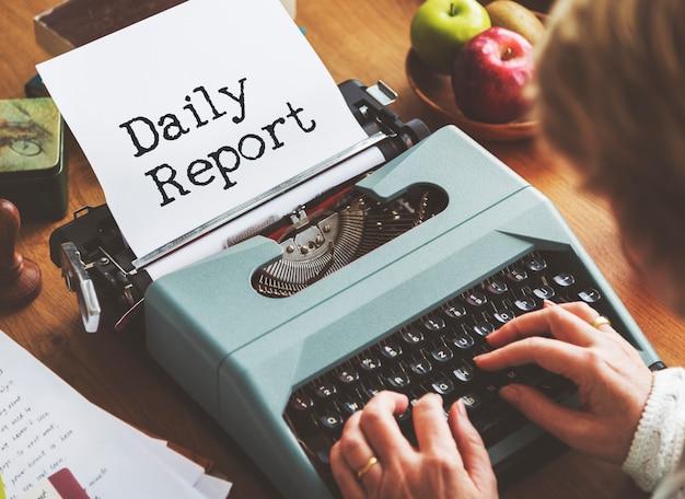 Journalismus arbeiten schreibmaschinenarbeitsbereich konzept