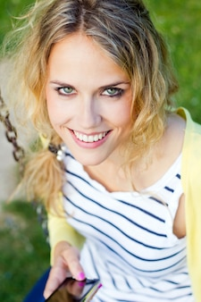 Joven rubia alegria femenino mujer
