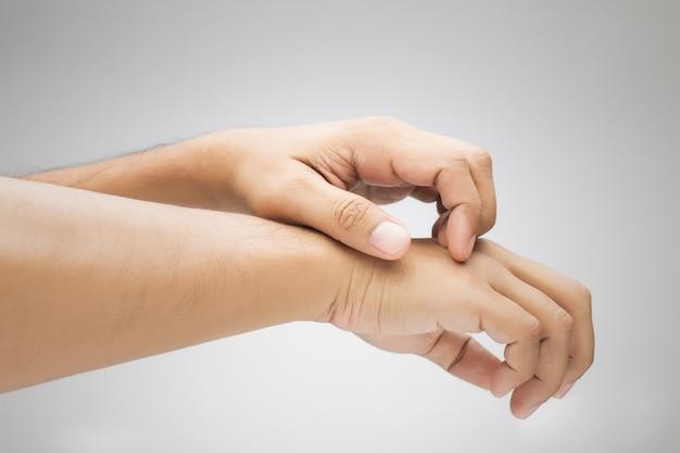 Juckende hand