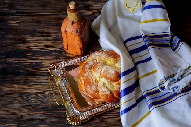 Jüdische feiertagsfeier des schabbatabendtisches