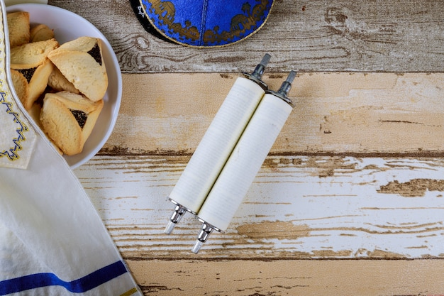 Jüdische purim hamantaschen hausgemachte kekse mit purim