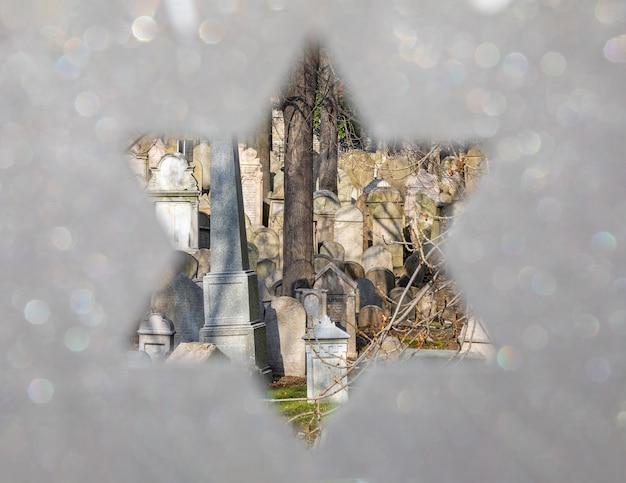 Jüdischer friedhof durch die blässe, zement neben dem zizkov telivision tower in prag, tschechische republik