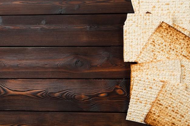 Jüdisches traditionelles pessach-mazz-brot
