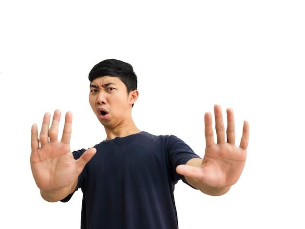 Junge asiatische mann schwarzes hemd zeigen zwei hände fünf finger nach oben stoppen sie den schock am halben körper der gesichtsernte