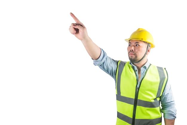 Junge bauarbeiter in schutzhelmen