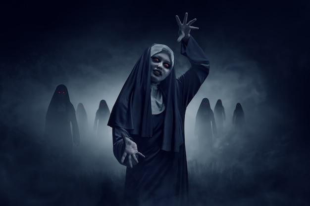 Junge böse asiatische frau nonne