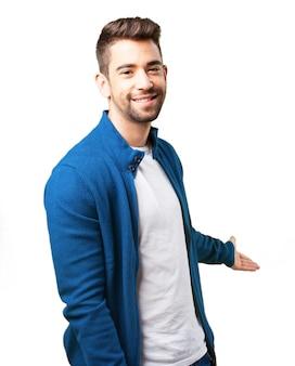 Junge in einer blauen jacke
