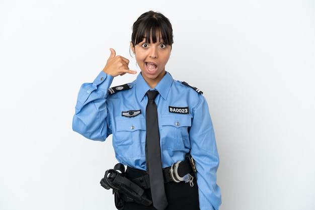 Junge polizei gemischte rasse frau isoliert hintergrund machen telefongeste. ruf mich zurück zeichen
