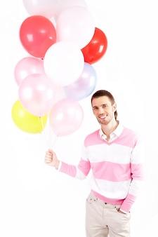 Junge zeitgenössische business-ballon arbeiter
