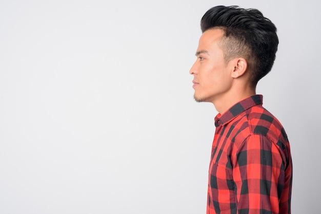 Junger asiatischer hipster mann