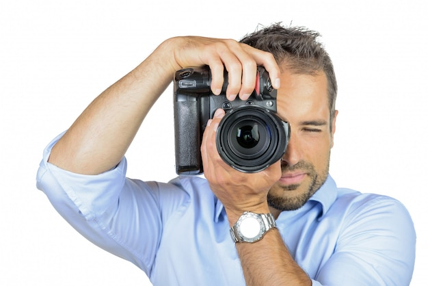 Junger fotograf bei der arbeit