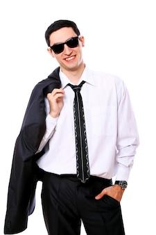 Junger geschäftsmann in der sonnenbrille