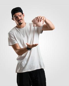 Junger rapper mann traurig und enttäuscht