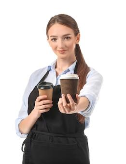 Junger weiblicher barista auf weißem hintergrund