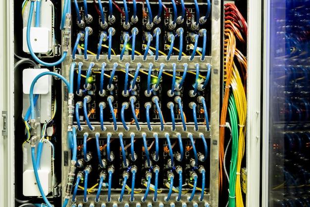 Kabel des netzwerkpanels