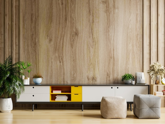 Kabinettfernseher im modernen wohnzimmer mit dekoration auf holzwandhintergrund