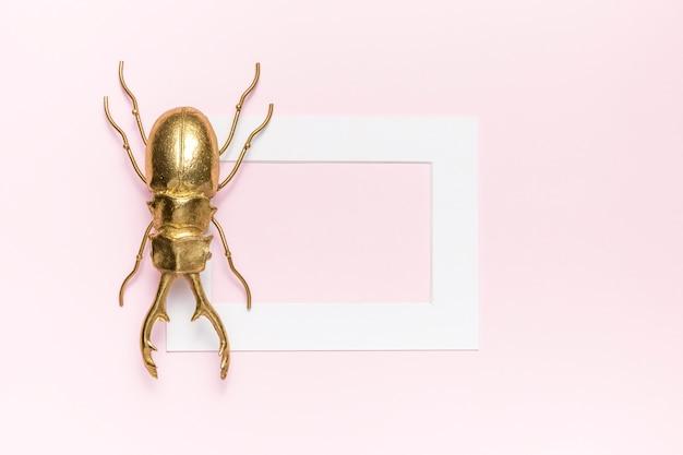 Käfer und rahmen