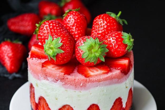 Käsekuchen erdbeer süß