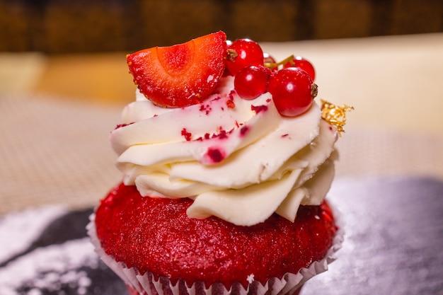 Käsekuchen erdbeere, süße mascarpone dessert kuchen nahaufnahme.