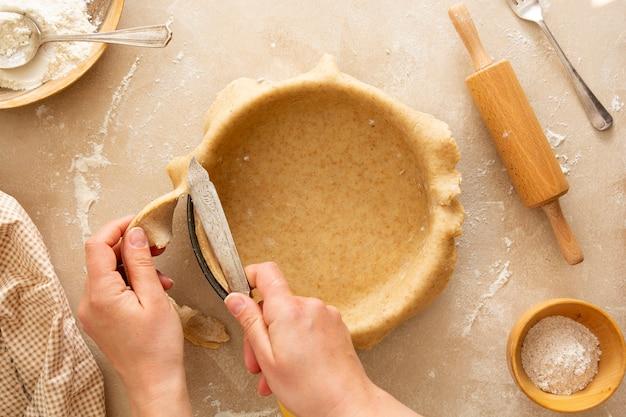 Käsekuchen kochen backen dessert schritt vier rezept draufsicht Premium Fotos