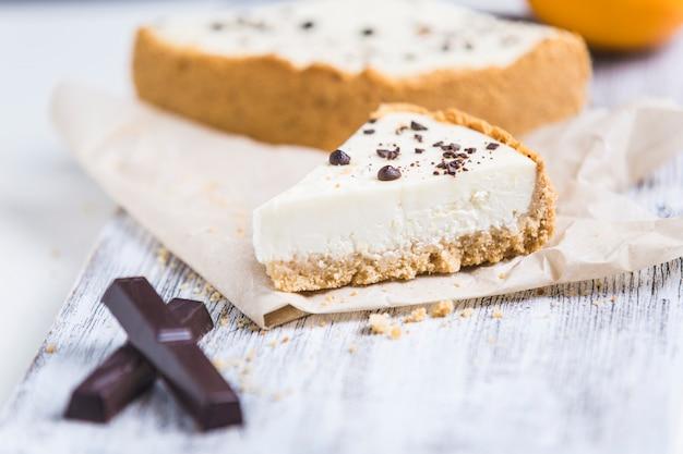 Käsekuchen mit zitronenorange und schokolade