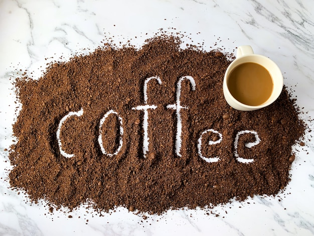 Kaffee alphabet und tasse