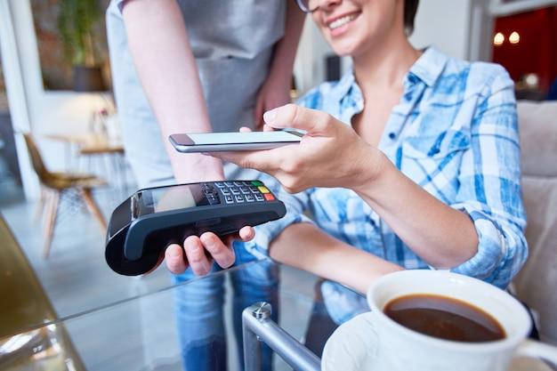 Kaffee bezahlen