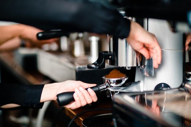 Kaffee cappuccino und americano espresso machen