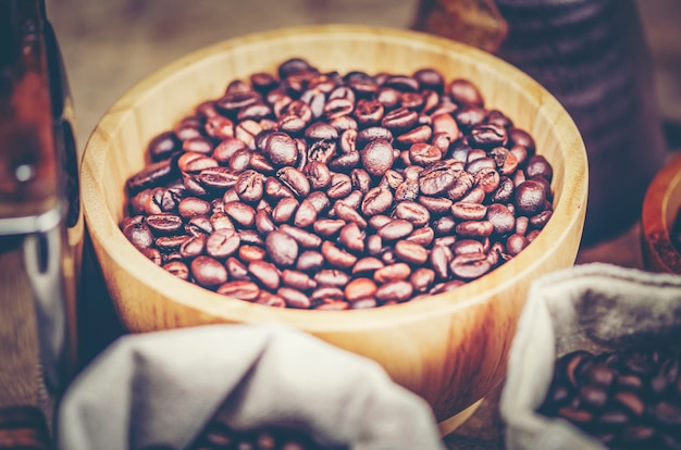Kaffee, der prozess, weinlesefilterbild tropft