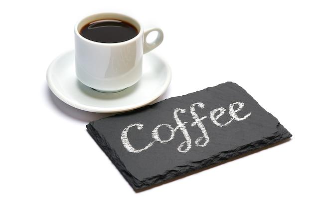 Kaffee handgeschriebene inschrift zeichen auf kreidetafel und tasse espresso