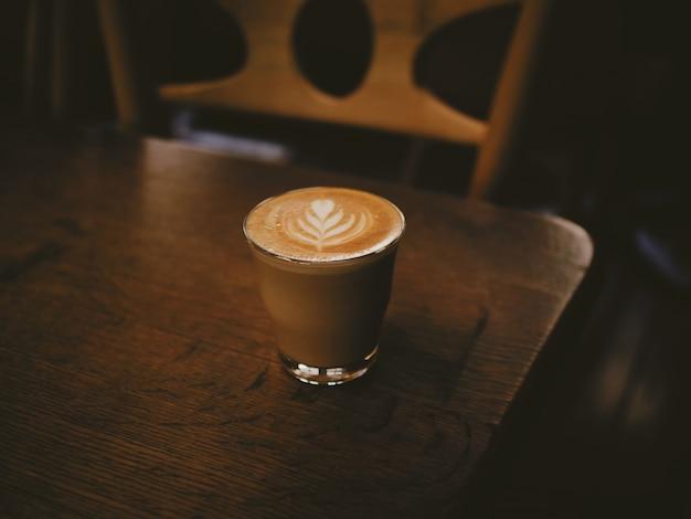 Kaffee latte kunst im café café