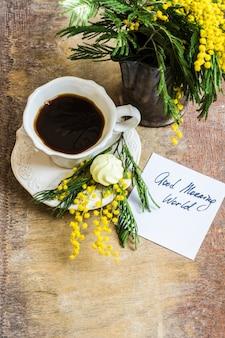 Kaffee- und mimosenblüten