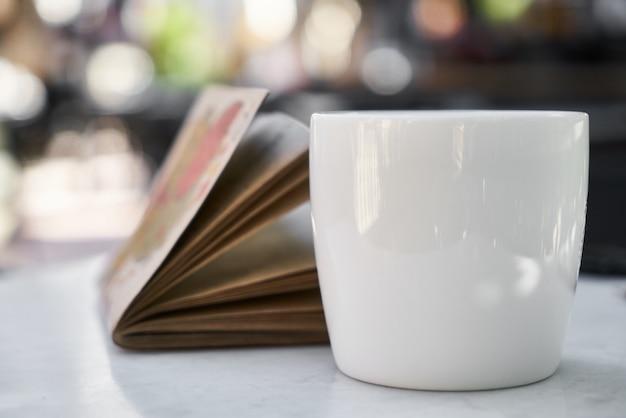 Kaffee und notebook
