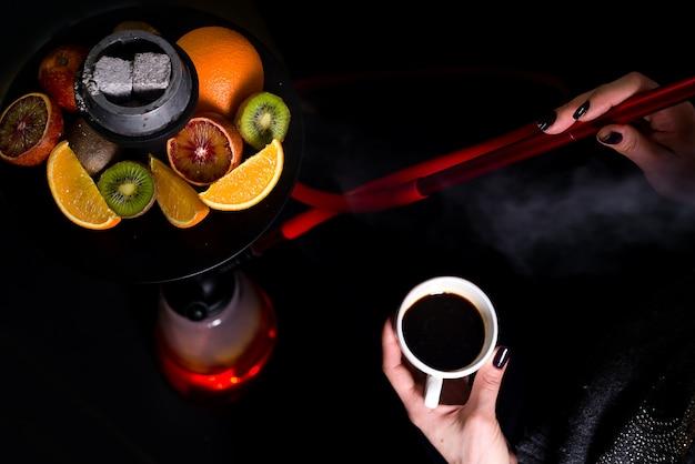 Kaffee und wasserpfeife