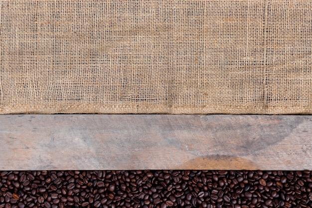 Kaffeebohne auf holz