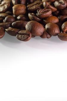 Kaffeebohnen auf der oberseite