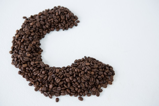 Kaffeebohnen, die alphabet c bilden
