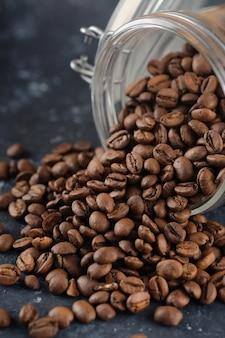 Kaffeebohnen im glas. nahansicht