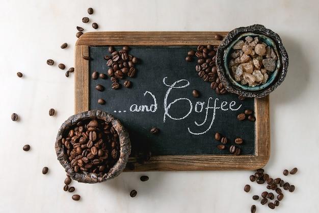 Kaffeebohnen und zucker