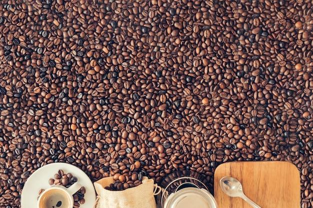Kaffeedekoration mit platz oben