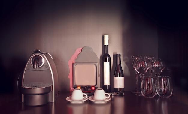 Kaffeemaschinenweine und gläser
