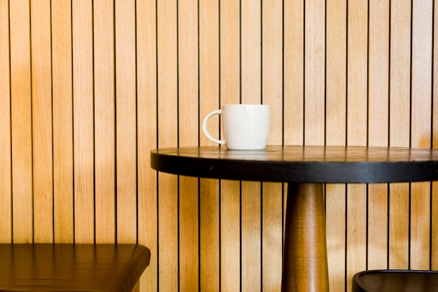Kaffeetasse in einer tabelle