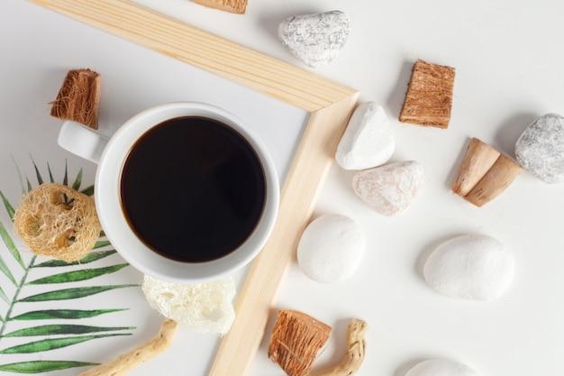 Kaffeetasse mit neutralem muster