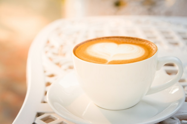 Kaffeetasse und latte art